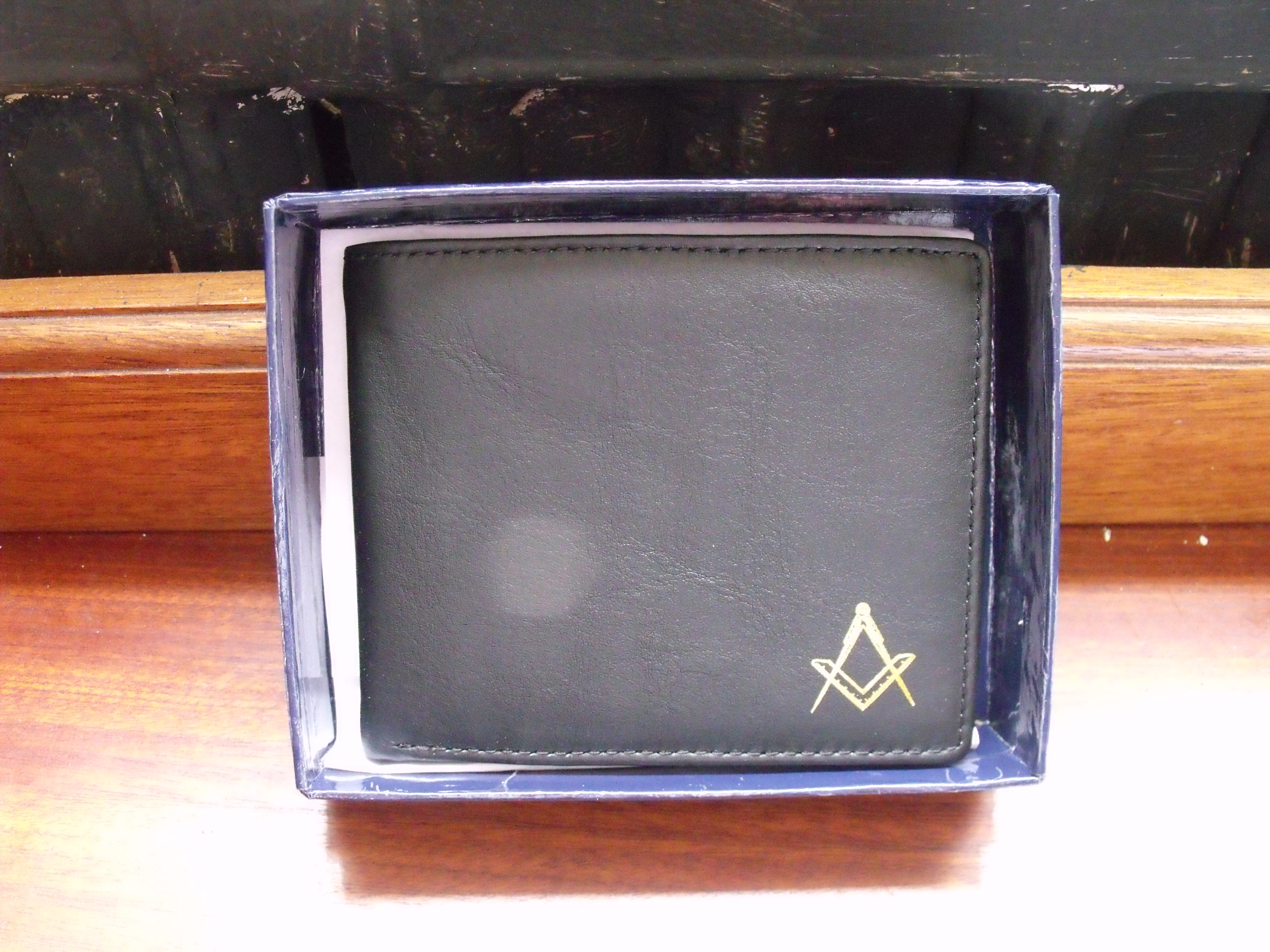 Wallet with Gold emblem Sq and Compass
